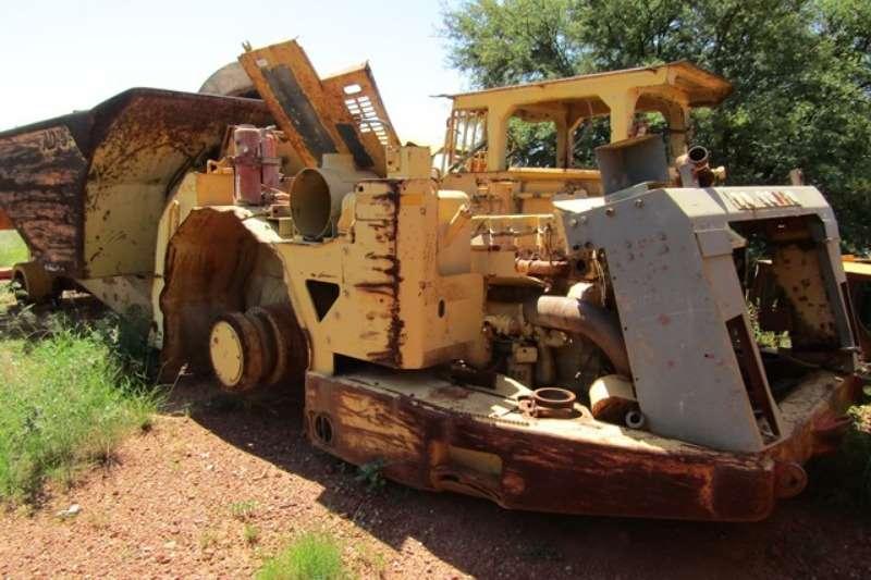 Caterpillar Hyundai Robex Excavator ADTs
