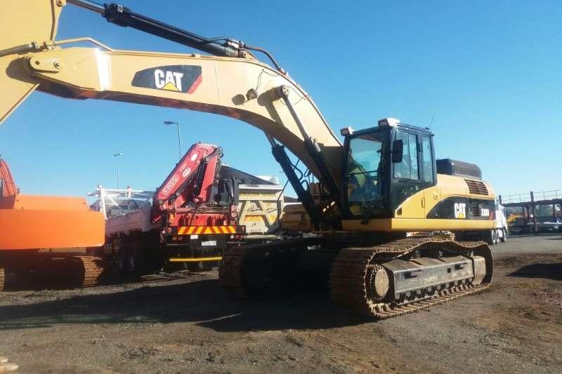 Caterpillar 330D Excavators