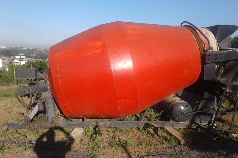 Concrete Mixer with drive and hydrolic motor. 6m3 0