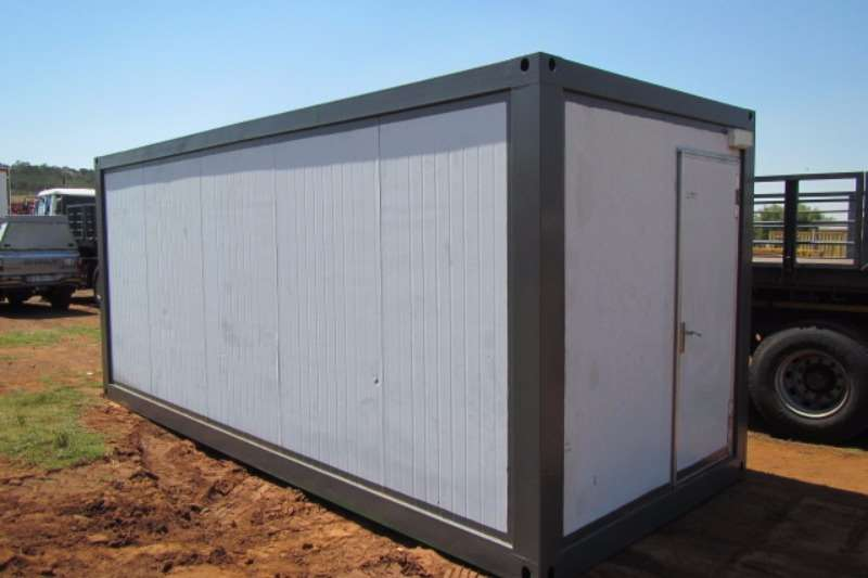 Containers Other MOBILE TOILET AND SHOWER CONTAINER 0