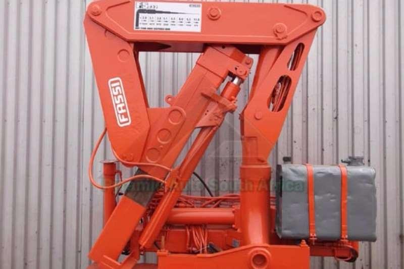 Cranes Fassi Truck mounted F5.32 0