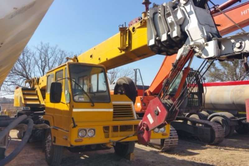 Cranes Other Truck mounted Rieberr (20t) 2002