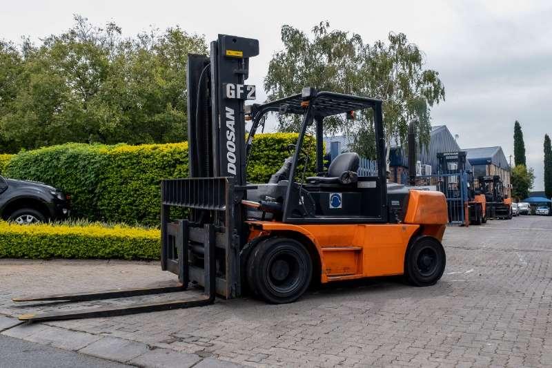 Doosan Diesel forklift Forklift 7t D70S 5 Forklifts