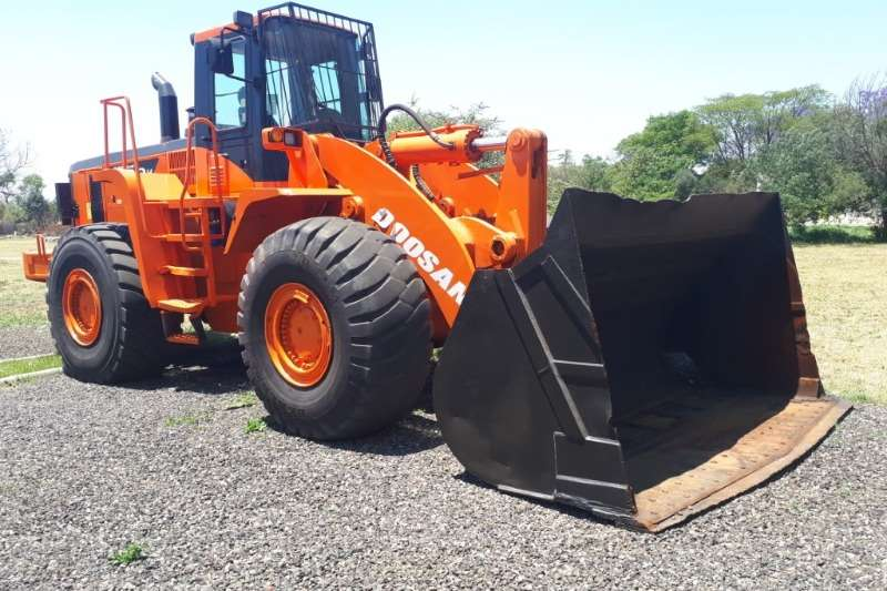 Doosan Mega 400 Wheel loader