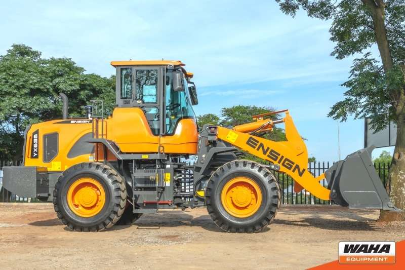 ENSIGN 3 Ton / 1.8m³ Bucket Backhoe loader