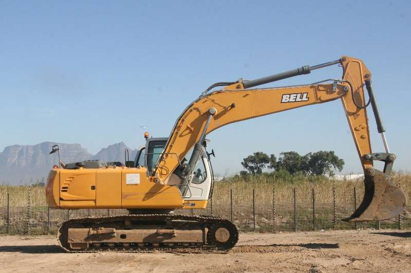 Bell 230E Excavators