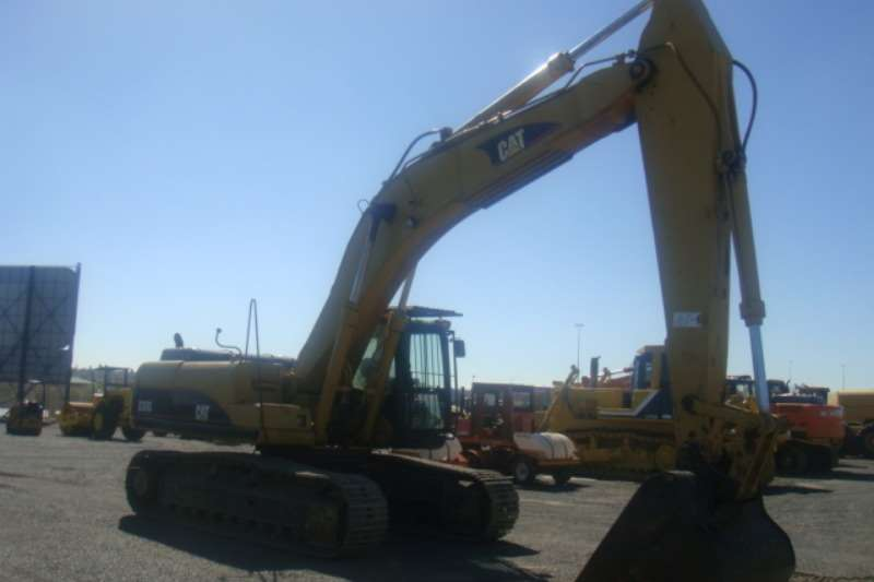 Excavators Caterpillar 330 C 2002