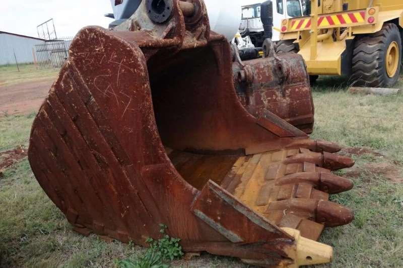 Excavators Caterpillar 374 2008