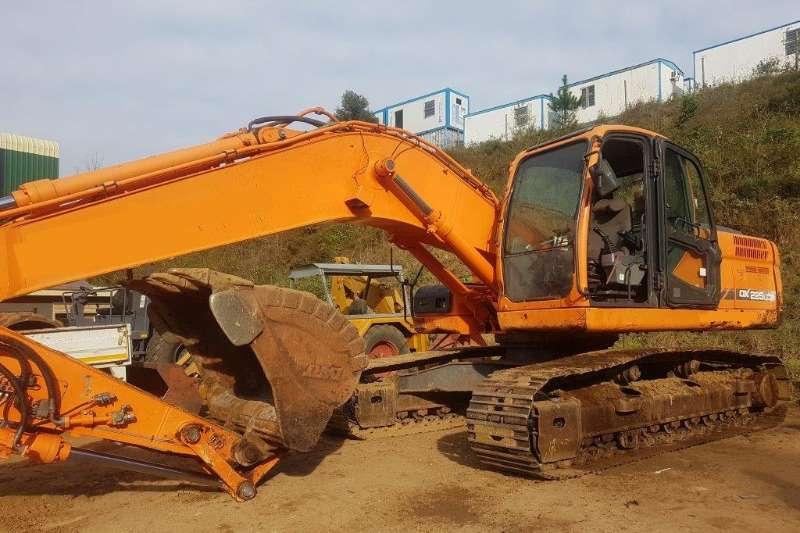 Excavators Doosan DX225LCA 0
