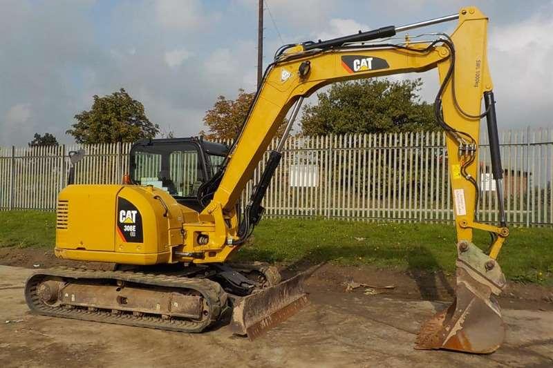 Excavators mini +6T Excavators