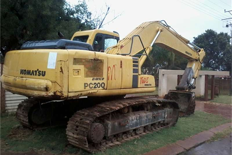 Excavators Komatsu 2005