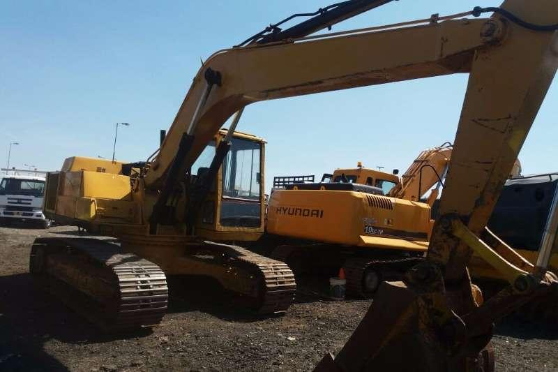 Komatsu PC 200   3 Excavators