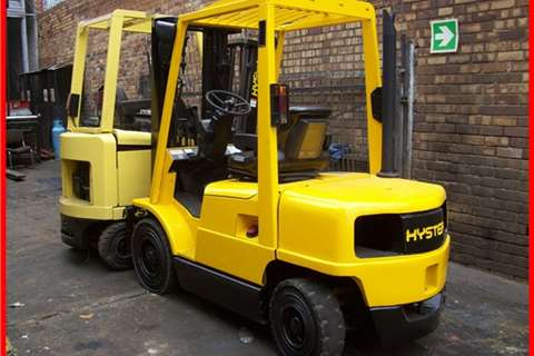 Forklifts Hyster 2.5 Ton Diesel, Side Shift, 3 Stage container mast 2005