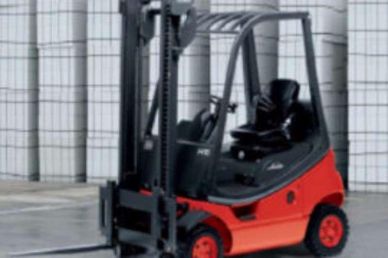 Forklifts Linde Petrol Forklift Linde 1.8 tonLP Gas 2011