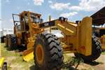 Graders Caterpillar 2001