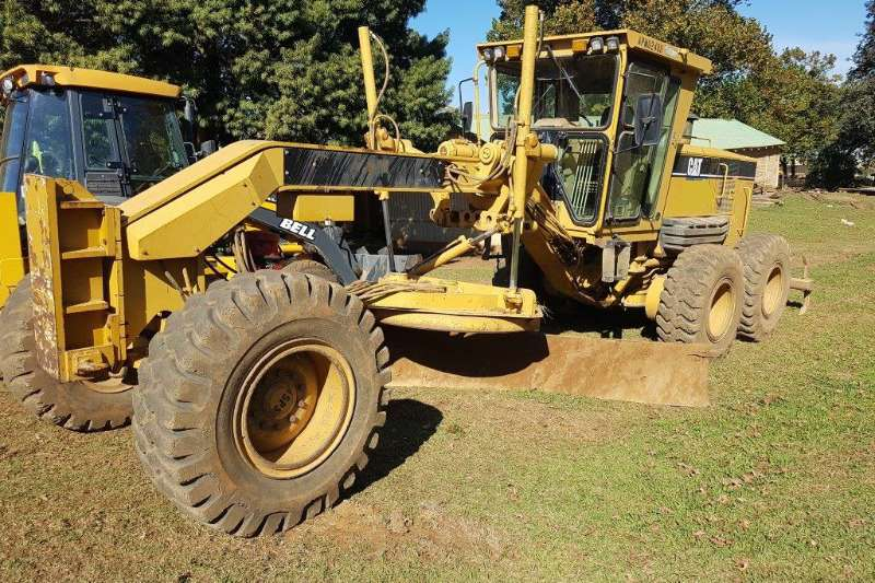Graders Caterpillar 2005 140H 2006