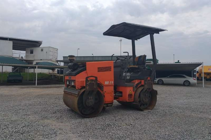 Hamm 2005 Hamm HD 12 Smooth Drum Roller R145000 plus va Roller