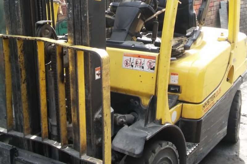 Hyster Fortens   needs attention   3 stage cont mast Forklifts