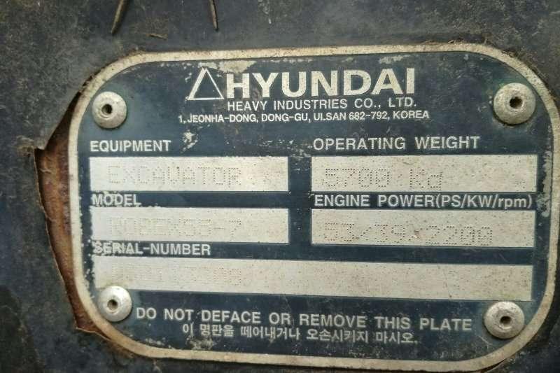 Hyundai 2009 Hyundai Robex 55 7 Excavator with buckets Excavators