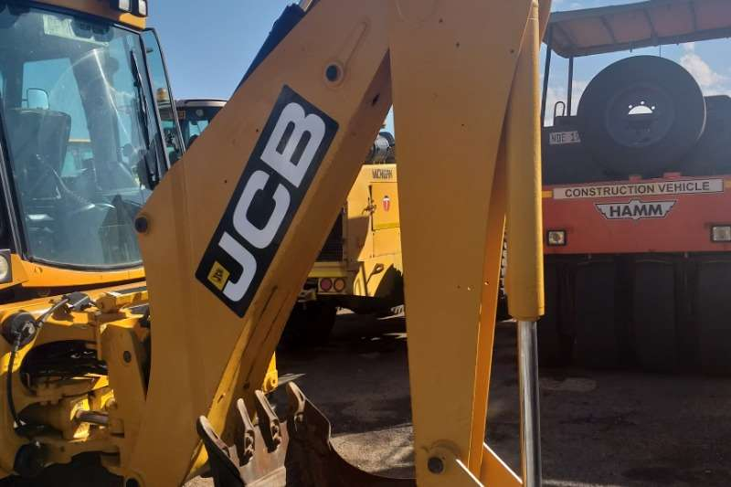 JCB Construction 2007 JCB 3CX 4x4  Tlb TLBs