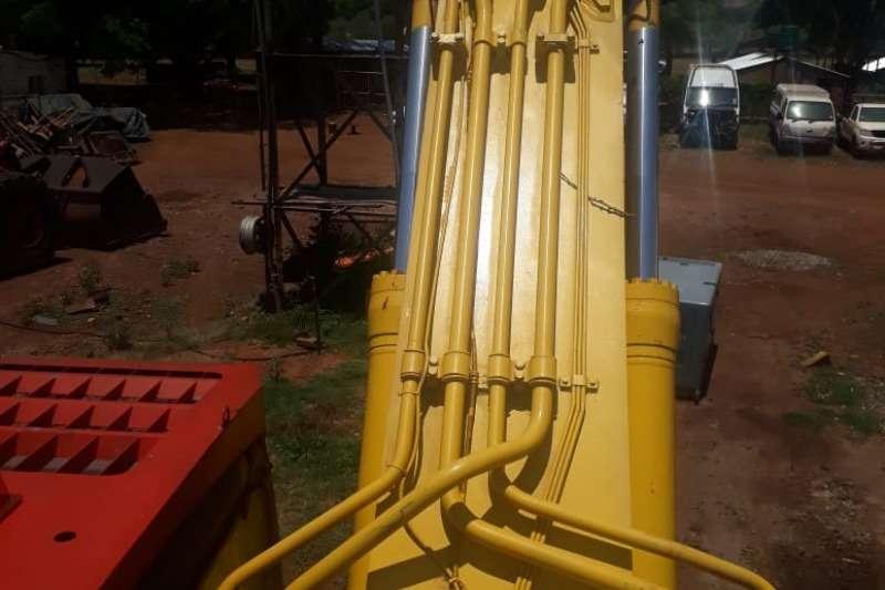 Komatsu PC600 Excavators
