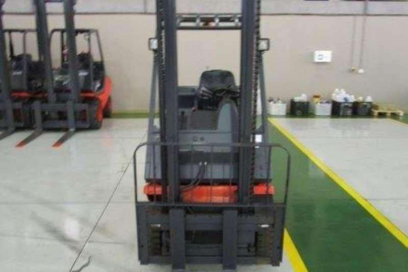 Linde Diesel forklift H18T1.8 Ton Forklifts