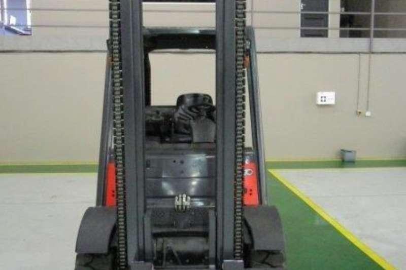 Linde Diesel forklift H50D 5 Ton Forklifts