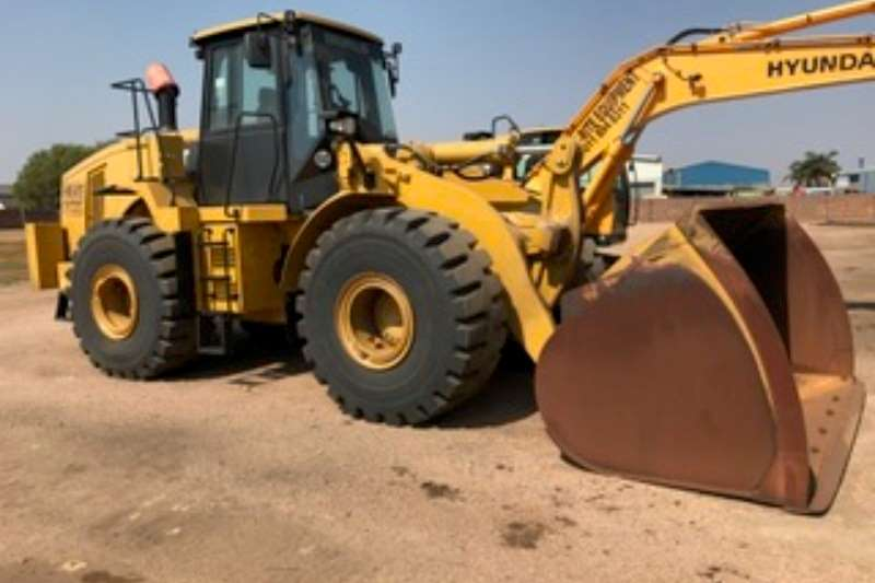 Loaders Caterpillar 966H Loader 2016