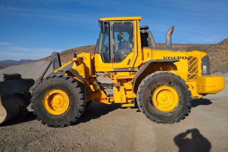 Loaders Volvo L120F In very good condition 2010