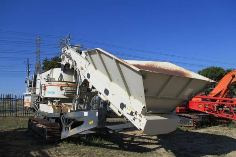 Crushers Metso Metso Lokotrack LT 7150 Vertical Shaft Impact Crus