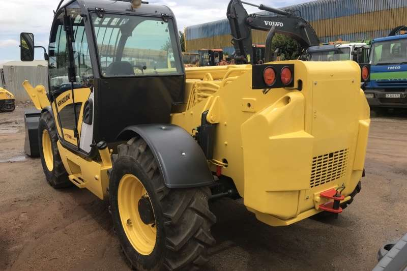 New Holland NH17M 4X4 WITH BUCKET Telehandlers