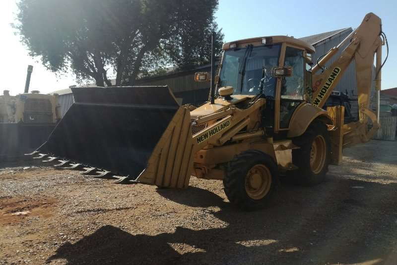 New Holland Construction TLB 4x4 New Holland FB90 TLBs