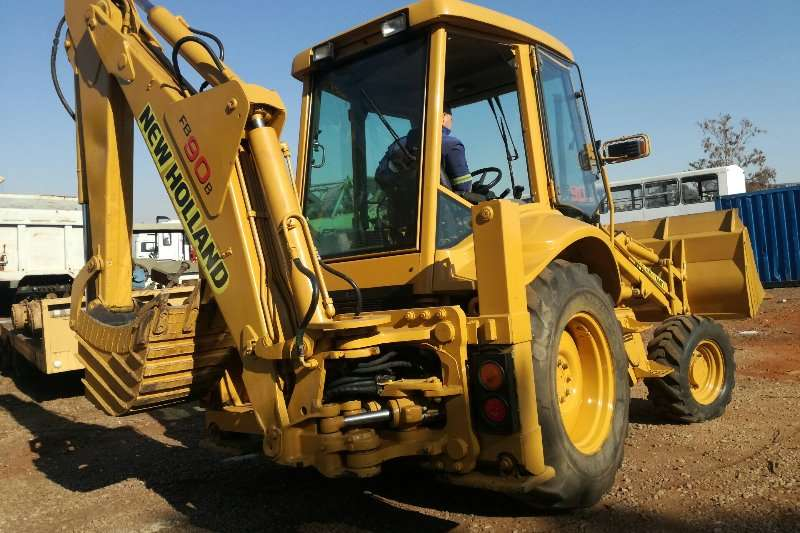New Holland TLBs Construction TLB 4x4 New Holland FB90 2000