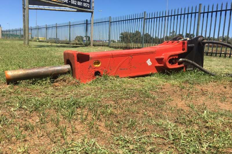 Other Excavators Hydraulic hammer RAMMER 2577 with bracket