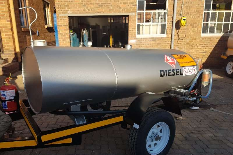 Other 2000 liter diesel Bowser Fuel tankers