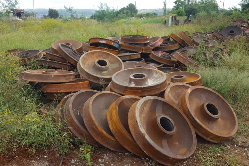 34 or 36 inch 100 Ton Wheel Centres   Salt River Others