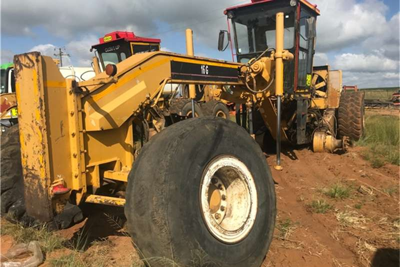 Others Caterpillar 16G LOADER FRAME AND SPARES NON RUNNER 1983