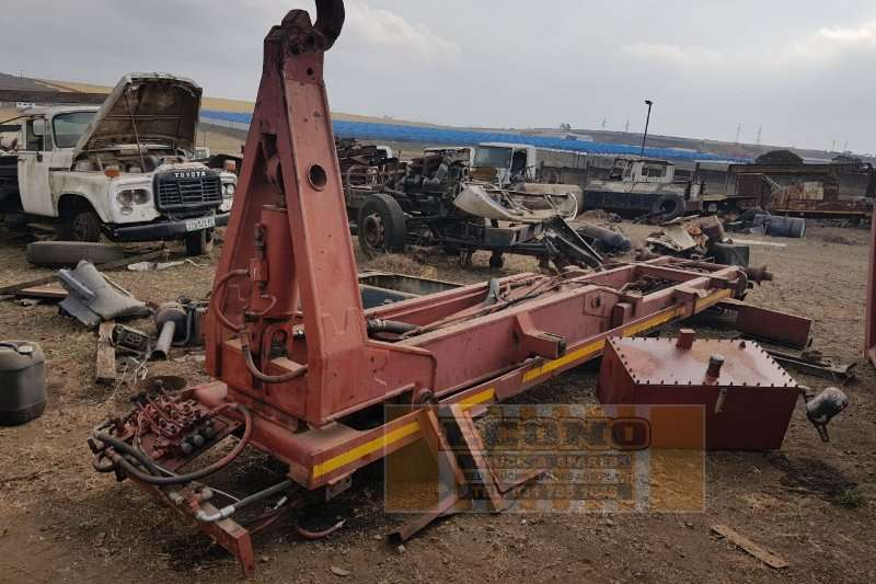 Other 18 Ton Hooklift Attachment Others