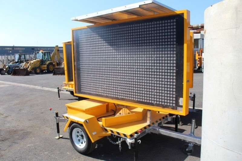 Others Other Optraffic VMS-400-3-CUS Road Traffic Trailer 2017
