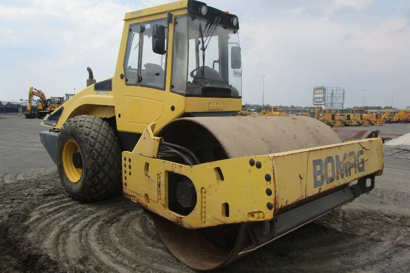 Rollers Bomag BW211D-4