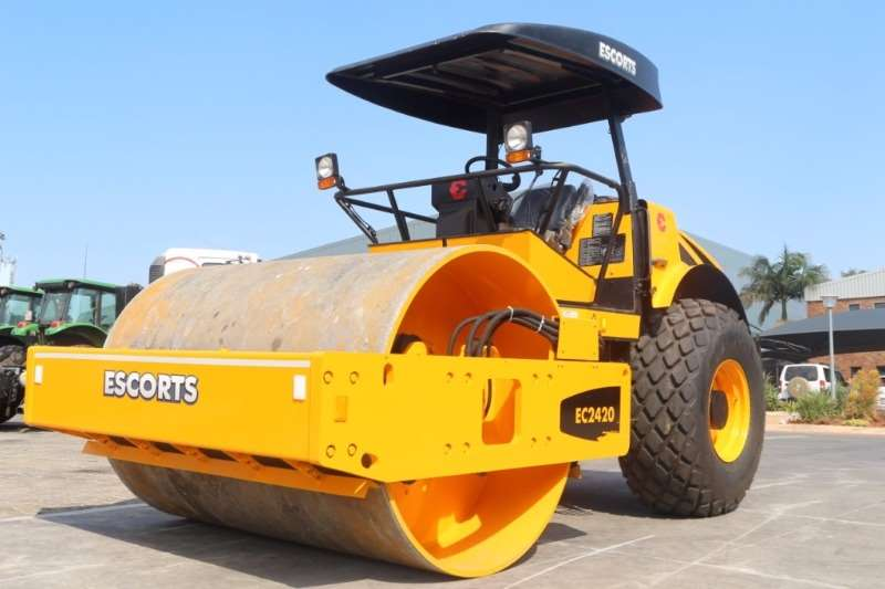 Rollers Other Escorts 2420 12 Ton Smooth Drum Roller 0