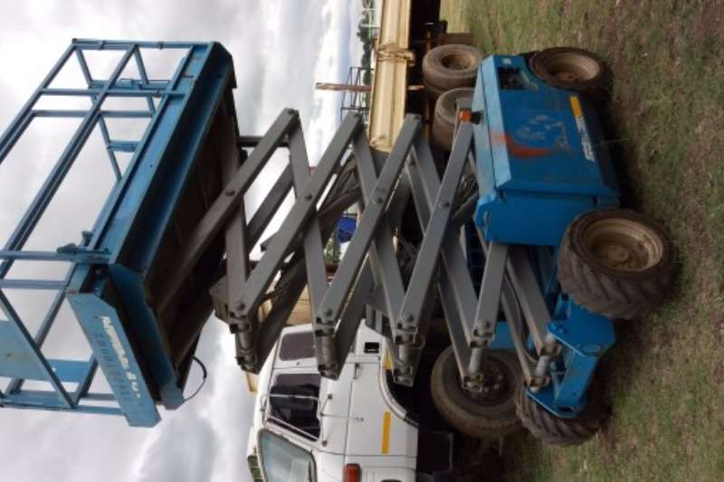 Genie 3268RT Diesel Scissor Lift (12m) Scissor lifts