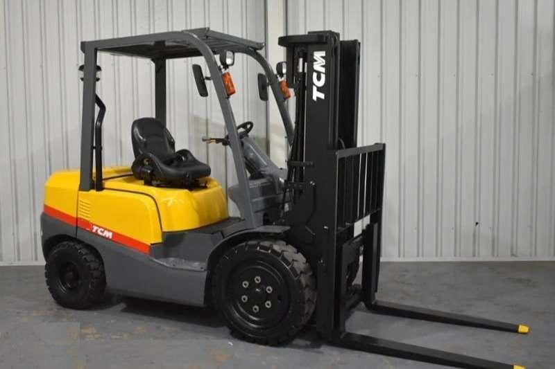 TCM Diesel forklift 2.5Ton FD25Z T3 Forklift Forklifts