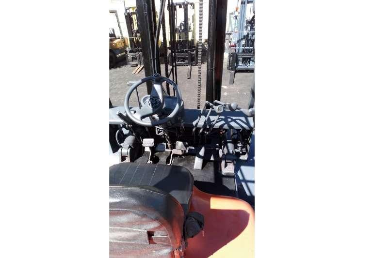 Toyota Diesel forklift Toyota 5 Ton Forklifts