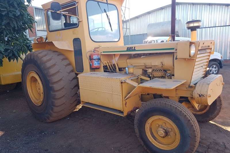 Tractors - Towing Bell Bell 1766 turbo , tractor, 2x4 1999