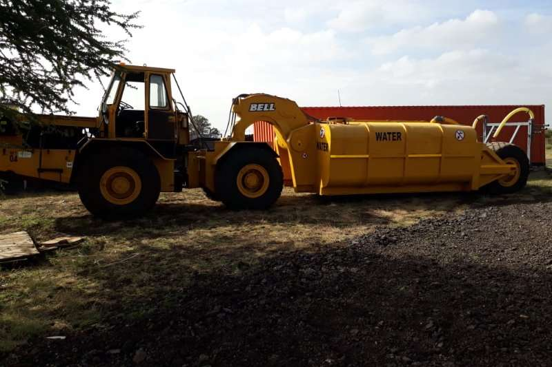 Tractors - Towing Bell Bell Hauler 2206 with 18000L Water Tank