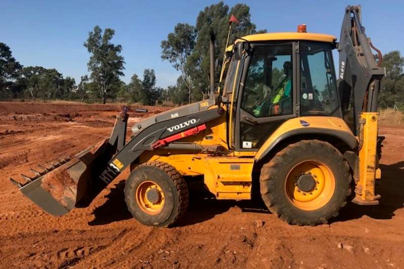 2016 volvo volvo bl61b 4x4 backhoe loader tlb 4 of tlbs machinery for sale in gauteng on truck. Black Bedroom Furniture Sets. Home Design Ideas