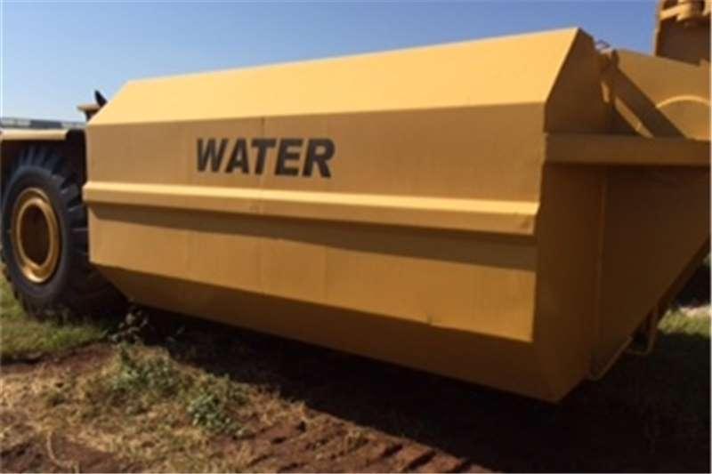 Caterpillar 621B Water tankers