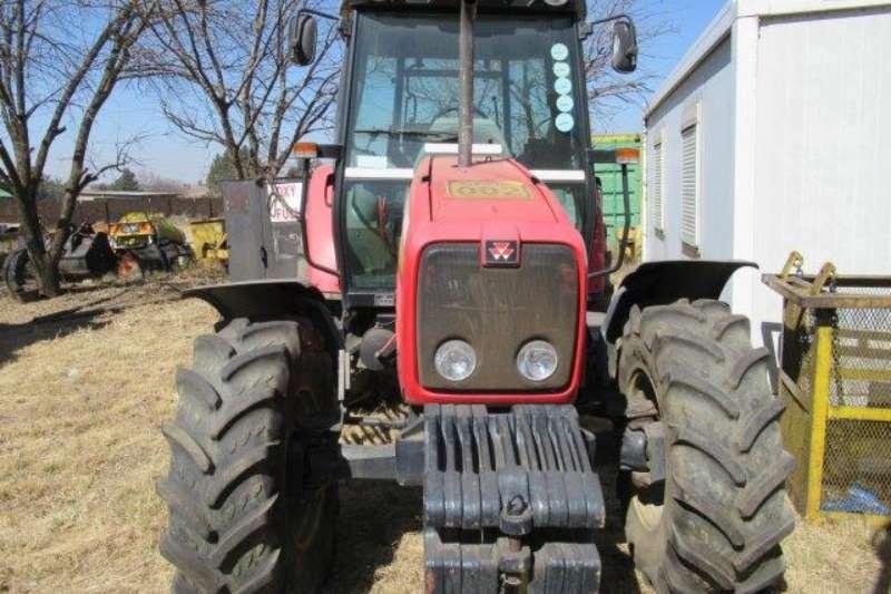 Massey Ferguson Massey Ferguson 5445, Dyna-4 Tractor