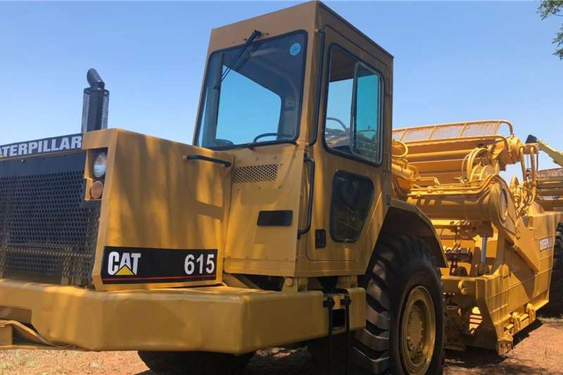 1997 Caterpillar 615 Belly Scraper Damskrop